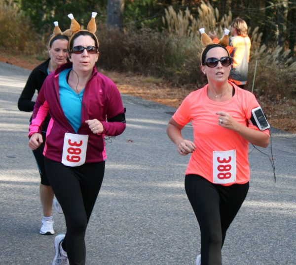 The great outdoors and a sense of fun and holiday spirit have helped Plymouth Thanksgiving Day road races achieve a top 5 ranking in Men's Journal.