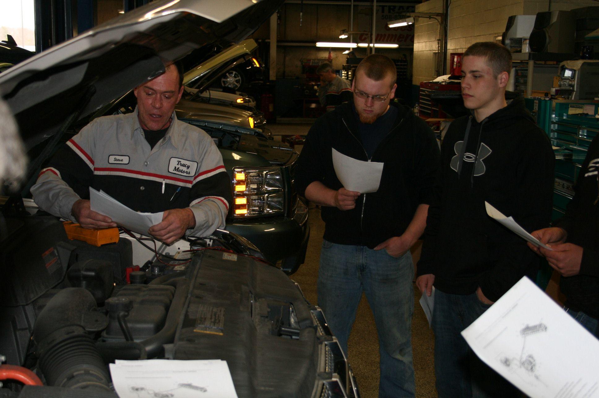 Tracy Chevrolet Cadillac Technician
